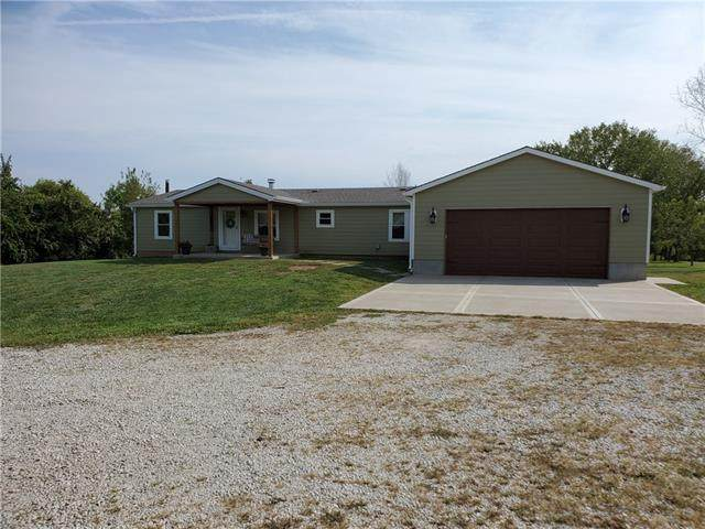 17607 E 231ST Street, Harrisonville, MO 64701 (#2347216) :: Tradition Home Group | Compass Realty Group