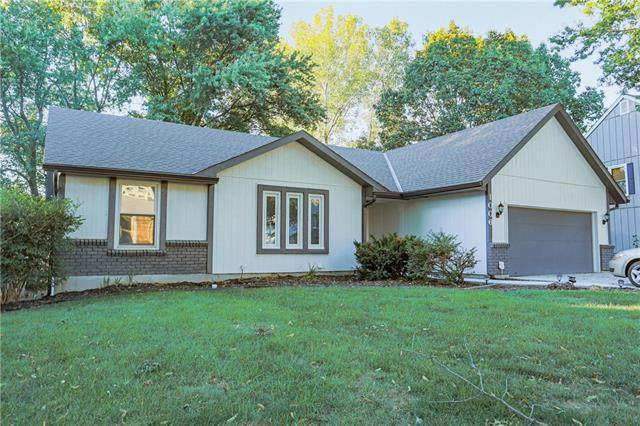 1006 Silver Lake Drive, Raymore, MO 64083 (#2347242) :: Tradition Home Group | Compass Realty Group