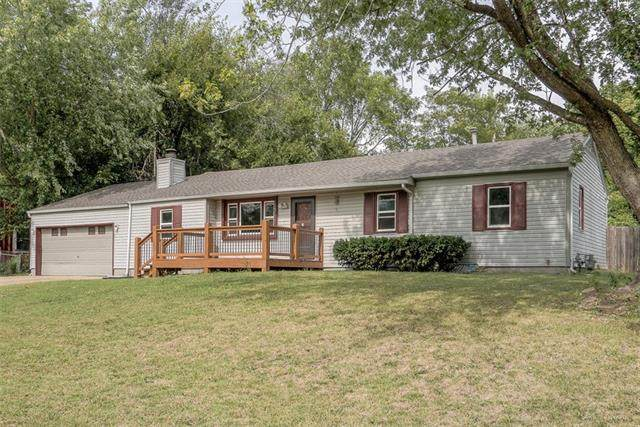 8012 E 100th Street, Kansas City, MO 64134 (#2347255) :: Dani Beyer Real Estate