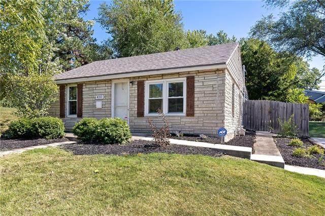 4211 S Thompson Street, Kansas City, KS 66103 (#2347345) :: Audra Heller and Associates