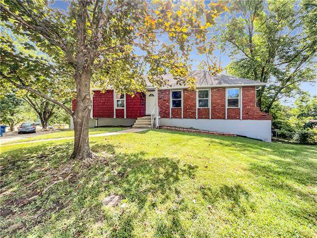 1119 W Forrest Lane, Excelsior Springs, MO 64024 (#2347367) :: Tradition Home Group | Compass Realty Group