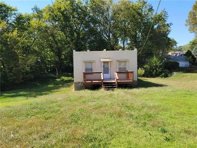 4510 N Brighton Avenue, Kansas City, MO 64117 (#2347386) :: Five-Star Homes