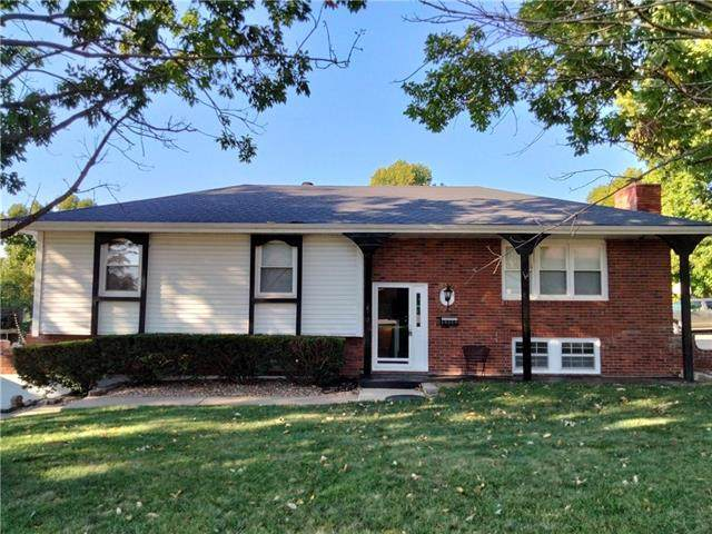 16008 E 30 Street S, Independence, MO 64055 (#2347407) :: Tradition Home Group | Compass Realty Group