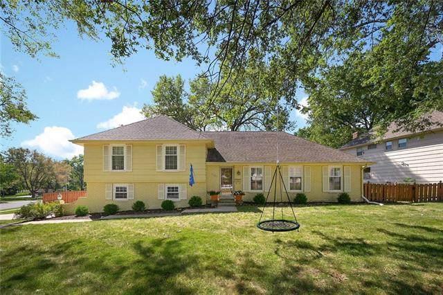 6301 W 101st Street, Overland Park, KS 66212 (#2347437) :: Audra Heller and Associates