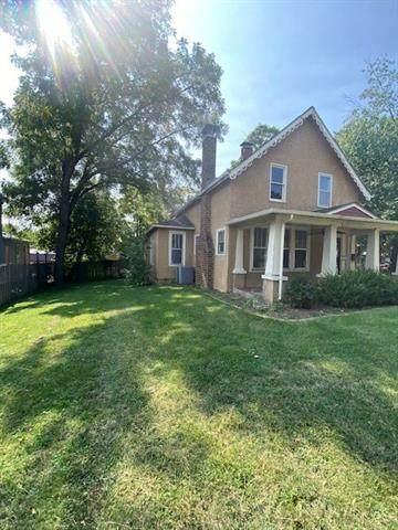812 Cedar Street, Pleasant Hill, MO 64080 (#2347450) :: Audra Heller and Associates