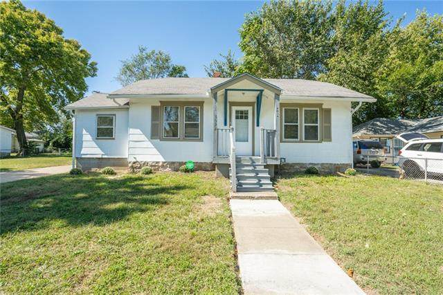 8034 Michigan Avenue, Kansas City, MO 64131 (#2347529) :: SEEK Real Estate