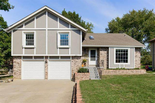 802 E Osage Street, Paola, KS 66071 (#2347540) :: Tradition Home Group | Compass Realty Group
