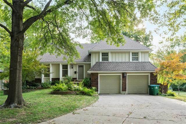 10525 Cherokee Lane, Leawood, KS 66206 (#2347541) :: SEEK Real Estate