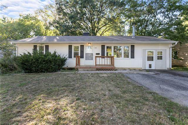 11114 Herrick Avenue, Kansas City, MO 64134 (#2347555) :: Tradition Home Group | Compass Realty Group
