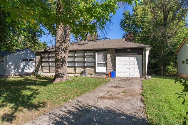 1104 NE 45th Street, Kansas City, MO 64116 (#2347593) :: Dani Beyer Real Estate