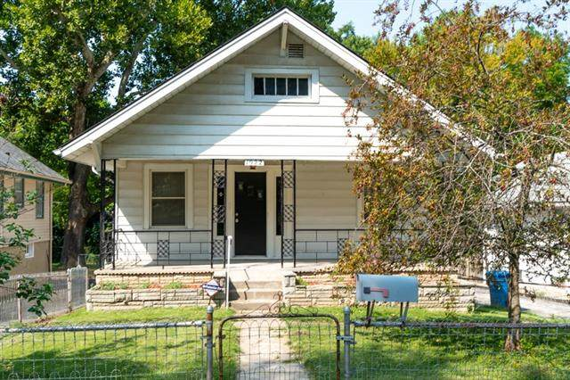 1922 S Willow Avenue, Independence, MO 64052 (#2347607) :: ReeceNichols Realtors