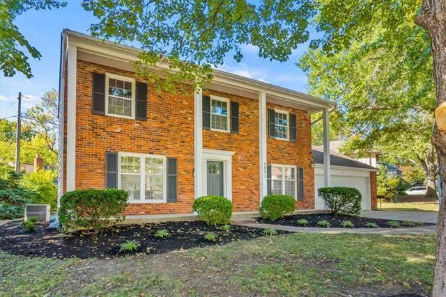 9803 W 99th Place, Overland Park, KS 66212 (#2347654) :: Audra Heller and Associates
