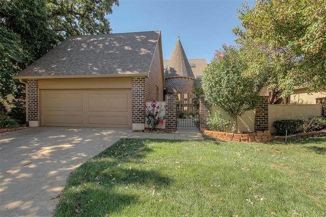 12520 Cedar Street, Leawood, KS 66209 (#2347770) :: SEEK Real Estate