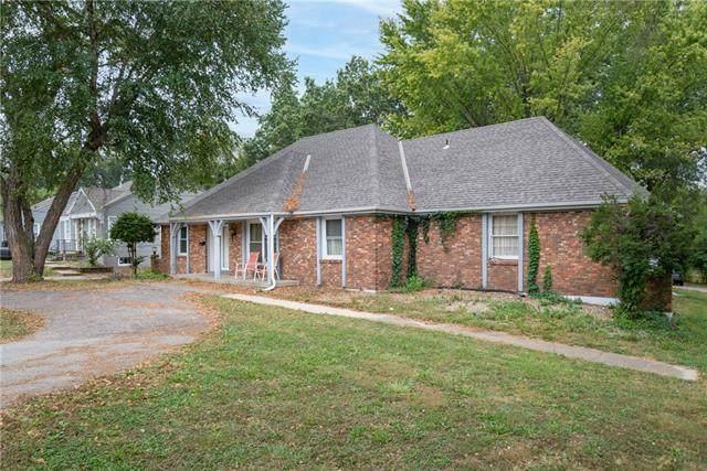 12516 Grandview Road, Grandview, MO 64030 (#2347794) :: Austin Home Team