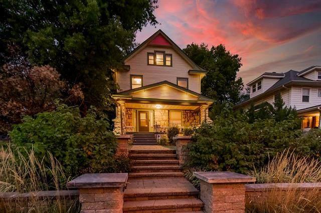 916 W 33rd Terrace, Kansas City, MO 64111 (#2347857) :: Ask Cathy Marketing Group, LLC