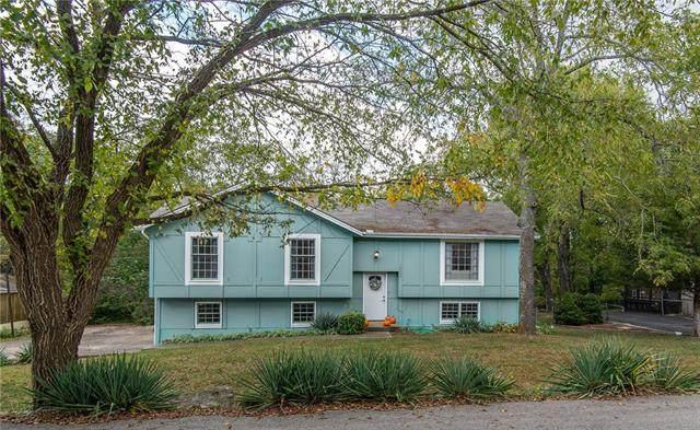 18995 Lowell Avenue, Stilwell, KS 66085 (#2347958) :: Audra Heller and Associates