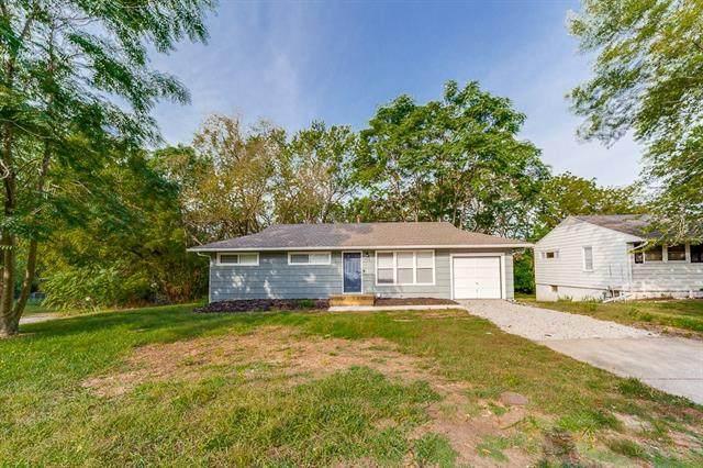 414 Lacy Lane, Belton, MO 64012 (#2347972) :: Austin Home Team