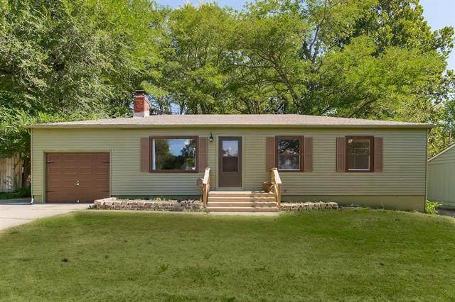 9415 Lewis Avenue, Kansas City, MO 64138 (#2348060) :: Five-Star Homes
