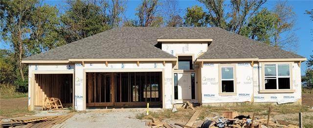 11127 N Hull Avenue, Kansas City, MO 64154 (#2348065) :: Five-Star Homes