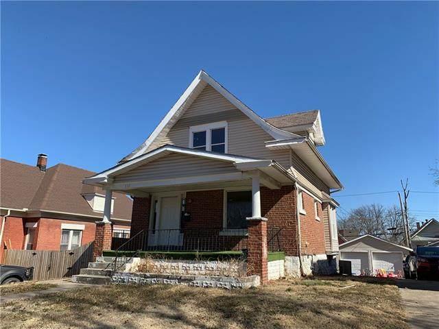 137 N Brighton Avenue, Kansas City, MO 64123 (#2348098) :: Audra Heller and Associates