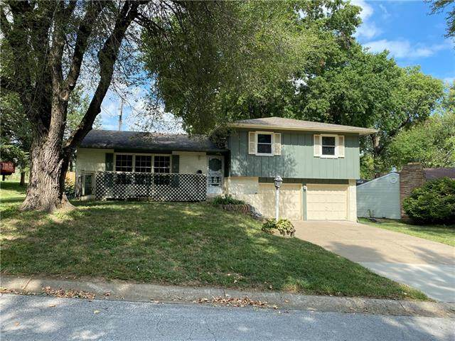 10610 E 32ND Street, Independence, MO 64052 (#2348242) :: Tradition Home Group | Compass Realty Group
