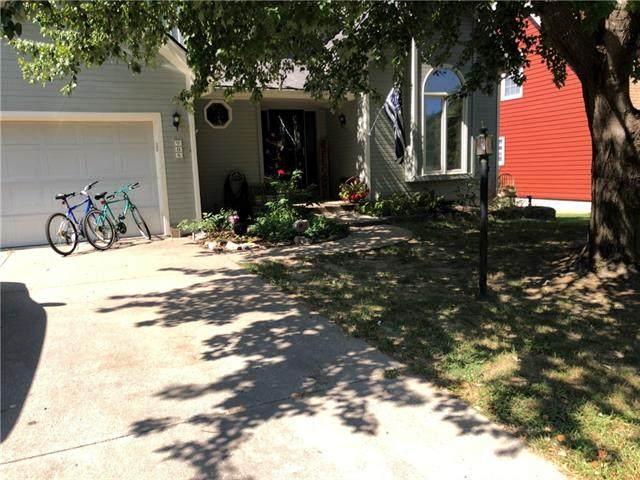 908 S 17th Terrace, Leavenworth, KS 66048 (#2348244) :: Five-Star Homes