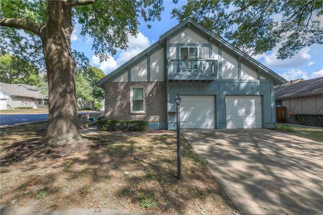 10150 Edelweiss Circle, Merriam, KS 66203 (#2348264) :: Tradition Home Group | Compass Realty Group
