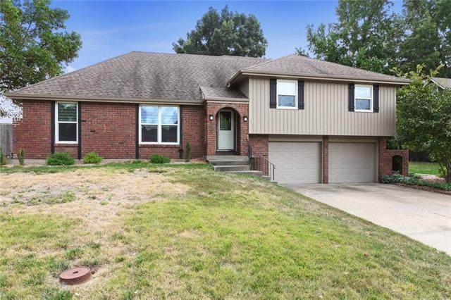 1512 SW Morningside Drive, Blue Springs, MO 64015 (#2348299) :: Austin Home Team