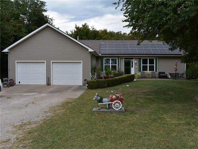 65 Birdie Lane, Mound City, KS 66056 (#2348429) :: ReeceNichols Realtors