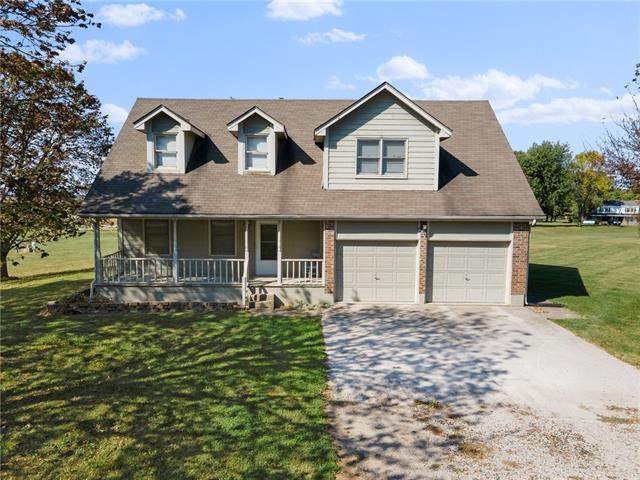 8869 Woodridge Drive, Odessa, MO 64076 (#2348647) :: Austin Home Team