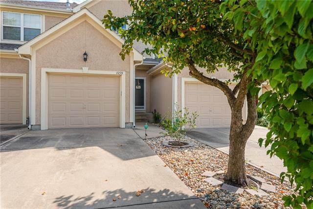 7239 Mccoy Street, Shawnee, KS 66227 (#2348658) :: SEEK Real Estate