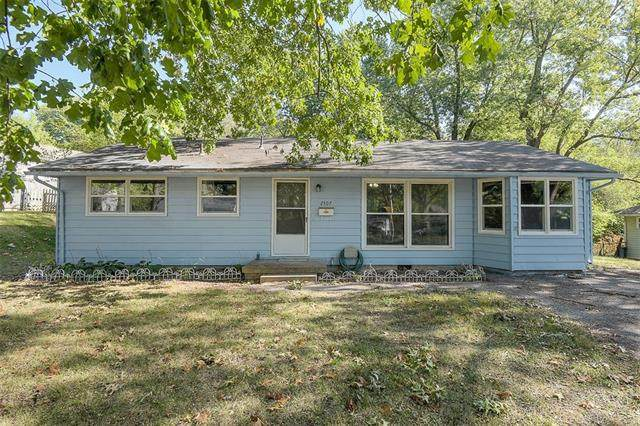 2507 S 47th Drive, Kansas City, KS 66106 (#2348740) :: Tradition Home Group | Compass Realty Group