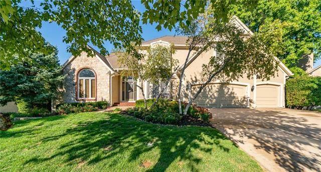 5818 W 130th Street, Overland Park, KS 66209 (#2348744) :: SEEK Real Estate