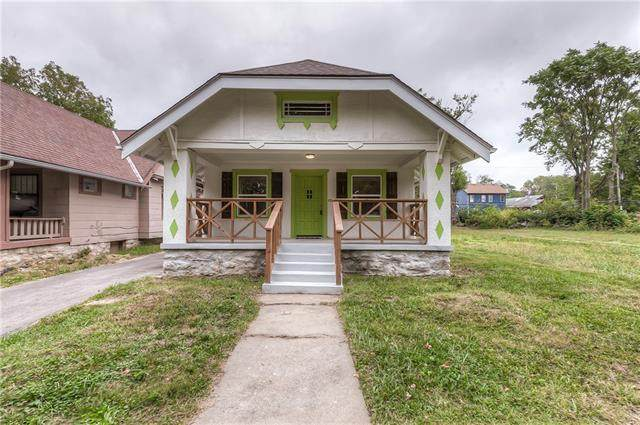 6619 Brooklyn Avenue, Kansas City, MO 64132 (#2348837) :: SEEK Real Estate
