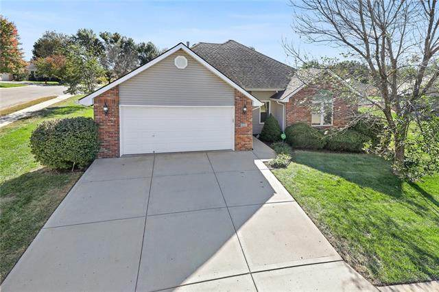 2201 SW 8th Terrace, Blue Springs, MO 64015 (#2348896) :: Five-Star Homes