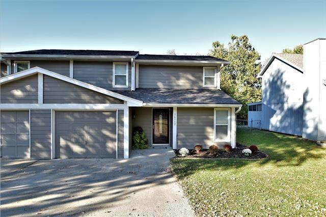 16112 W 141st Terrace, Olathe, KS 66062 (#2348943) :: Five-Star Homes