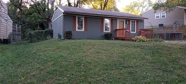 5014 N Crystal Avenue, Kansas City, MO 64155 (#2348947) :: Audra Heller and Associates