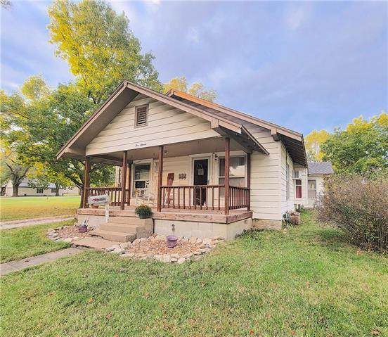 511 E 1st Avenue, Garnett, KS 66032 (#2348966) :: Tradition Home Group   Compass Realty Group
