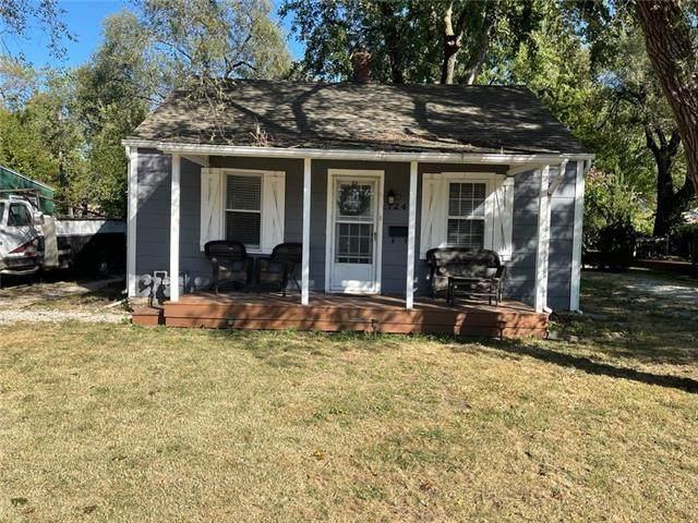 724 S Cherry Street, Olathe, KS 66061 (#2348989) :: Audra Heller and Associates