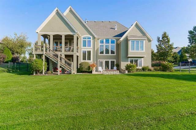 11201 W 165TH Street, Overland Park, KS 66221 (#2349155) :: SEEK Real Estate
