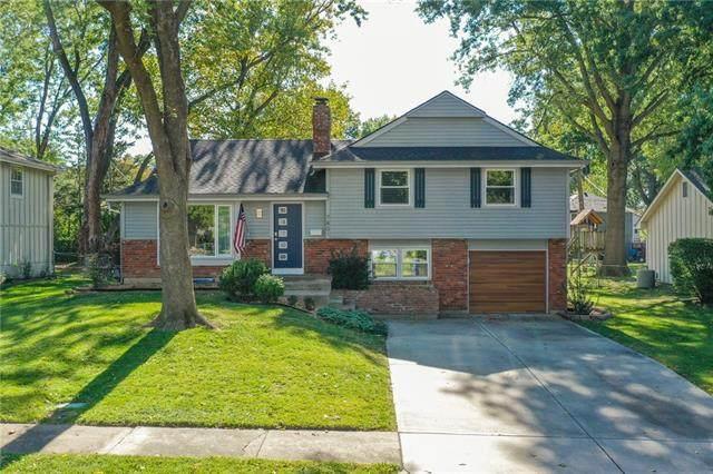 7801 W 97th Terrace, Overland Park, KS 66212 (#2349271) :: Five-Star Homes