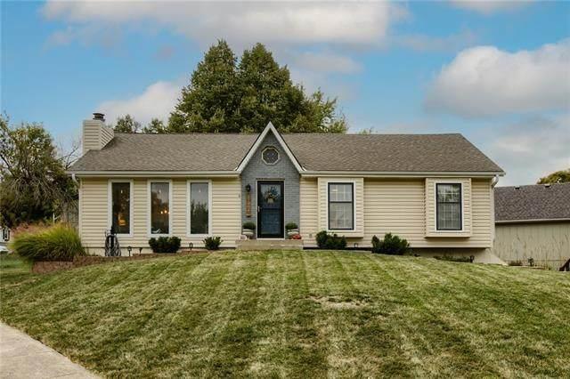 12904 S Seminole Drive, Olathe, KS 66062 (#2349312) :: Tradition Home Group | Compass Realty Group