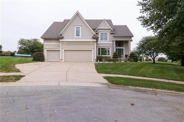4105 NE Georgian Circle, Lee's Summit, MO 64064 (#2349485) :: Tradition Home Group   Compass Realty Group