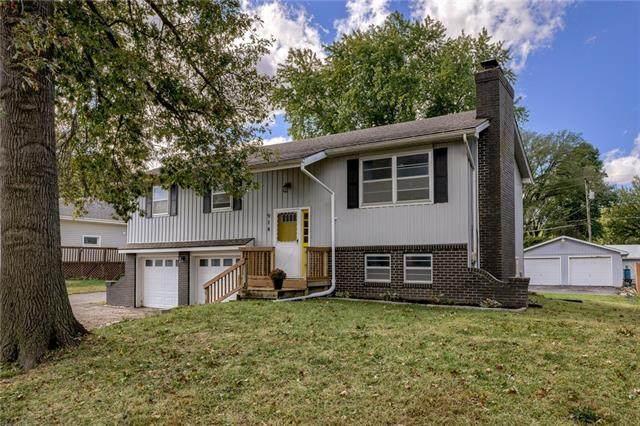 914 Shawnee Street, Tonganoxie, KS 66086 (#2349490) :: SEEK Real Estate