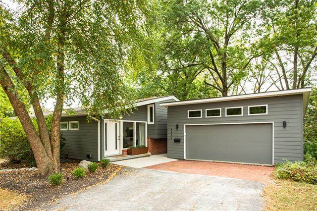 4848 NE Dean Lane, Kansas City, MO 64119 (#2349511) :: SEEK Real Estate