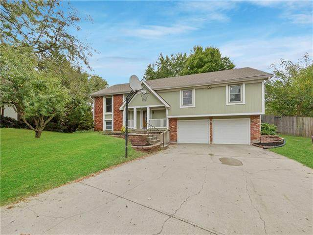 16612 W 142nd Place, Olathe, KS 66062 (#2349516) :: Tradition Home Group | Compass Realty Group