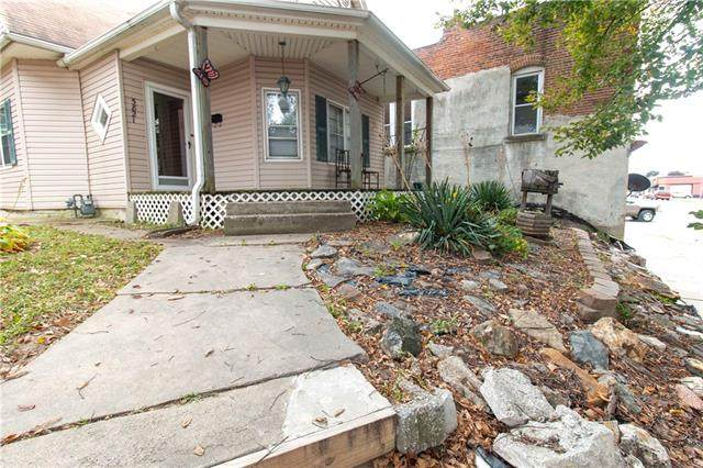 5821 King Hill Avenue, St Joseph, MO 64504 (MLS #2349571) :: Stone & Story Real Estate Group