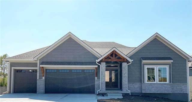 11422 S Sunnybrook Boulevard, Olathe, KS 66061 (#2349656) :: Dani Beyer Real Estate