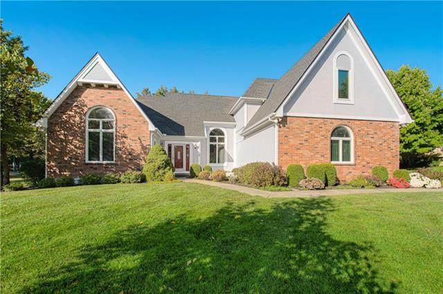 11712 Glen Arbor Terrace, Kansas City, MO 64114 (#2349701) :: Tradition Home Group | Compass Realty Group