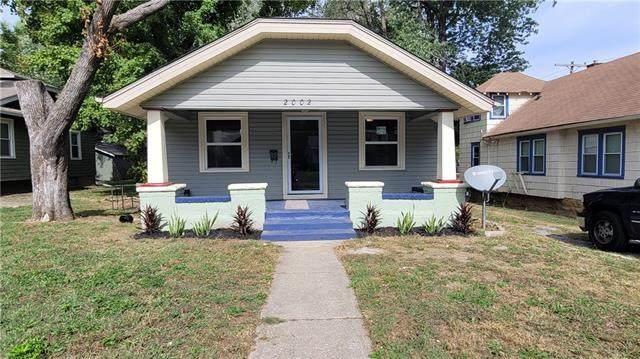 2002 E 69 Street, Kansas City, MO 64132 (#2349704) :: Tradition Home Group | Compass Realty Group